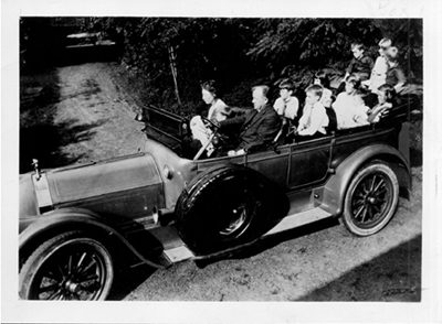 The Gilbreth family goes for a ride, circa 1920