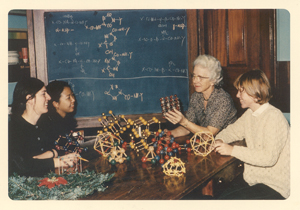 Dorothy Wrinch with students at Smith College, 1965-1966