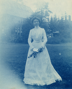 "Mabel Roys at Smith College, ""Ivy Day,"" 1900"