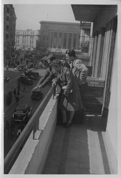 Mildred Louise Boie Saunders and others on balcony, circa 1940s
