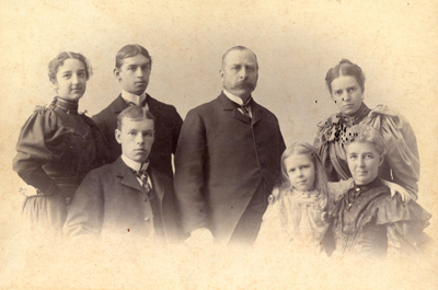 Walter Allen with his wife, Grace Weston Allen, and their children, circa 1892