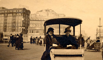 Elizabeth Couler and Grace Spofford in Atlantic City, 1918