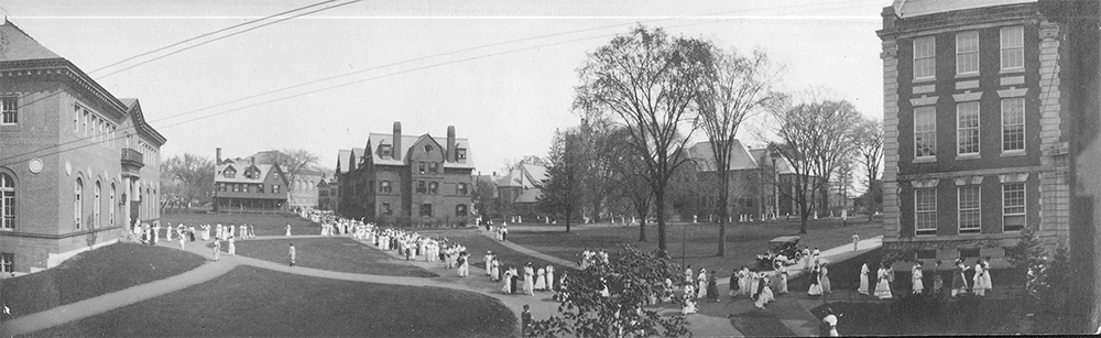The lawn between Neilson Library and Seelye Hall in 1910