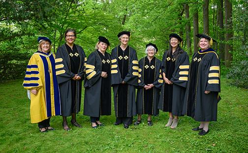 Honorary degree recipients posing