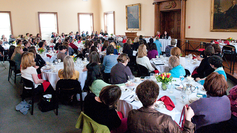 Alumnae attend a conference at the Alumnae House