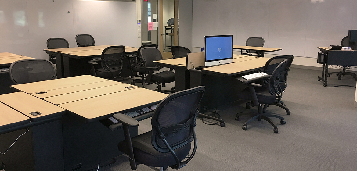 Image of the Digital Media classroom in Hillyer Hall