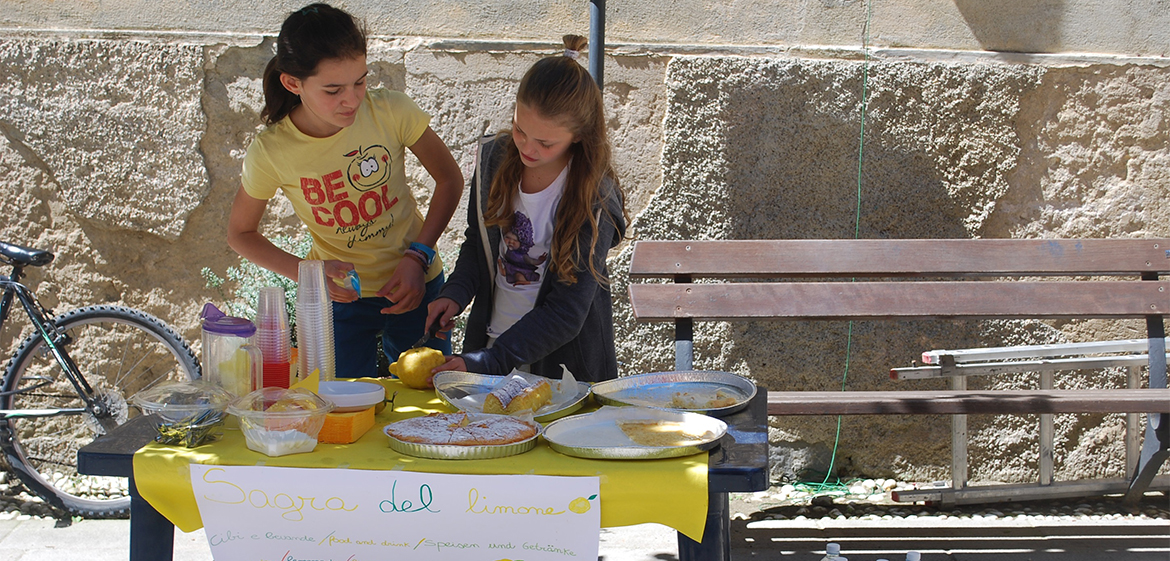 Italian children at a lemonade stand