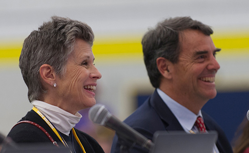 Image of Tim and Melissa Draper smiling