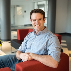Simon    Halliday