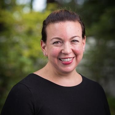 Lynne Zagami headshot