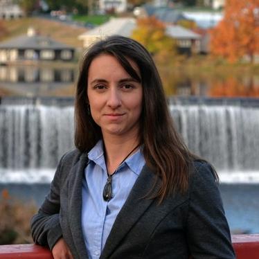 Headshot of Sarah Mazza