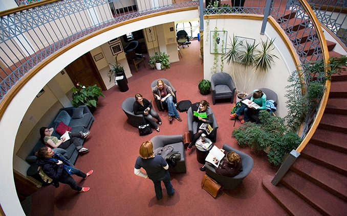 A group of students in the Jacobson Center for Writing, Teaching and Learning