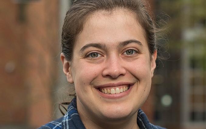 Julia     Riccardi