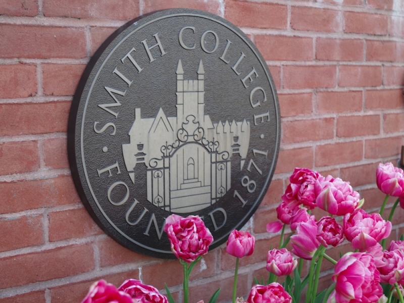 Smith College seal with pink doubled tulips
