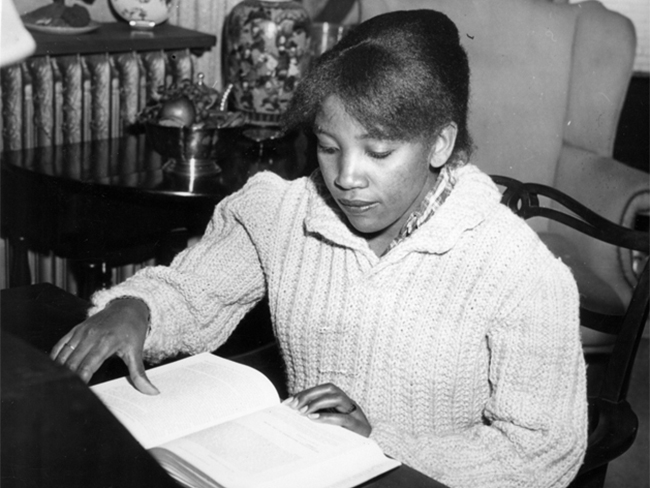 Ng'endo Mwangi '61 during her days as a student at Smith. Smith College Special Collections, College Archives.