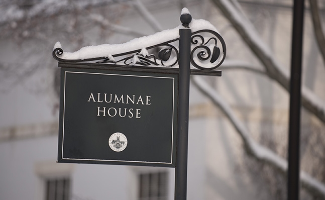 Photo of the Alumnae House sign