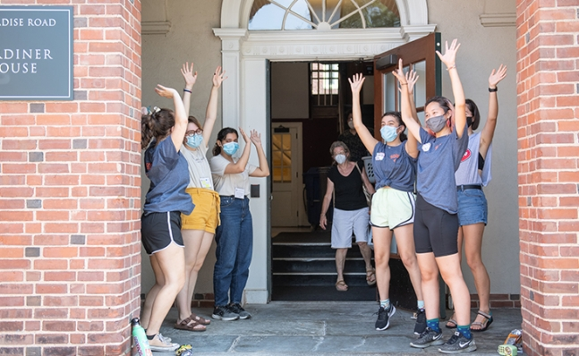 welcoming new students to Gardiner House on move-in day