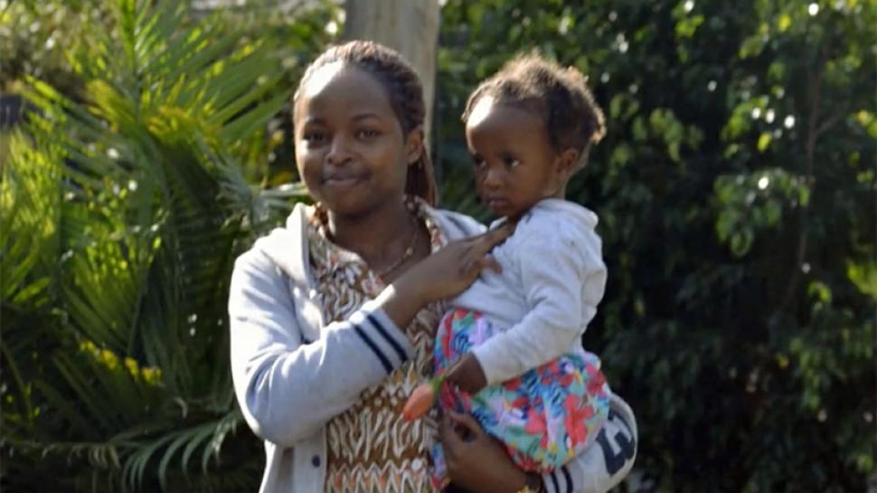 Peris Mwangi '23 with her sister