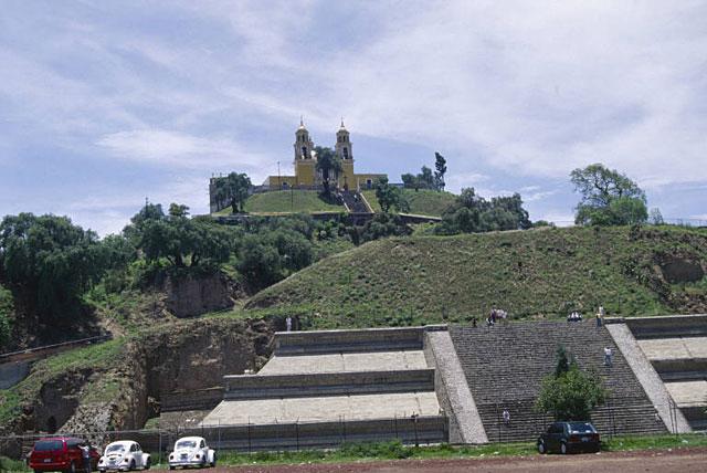basamento de la Gran Pirámide de Cholula
